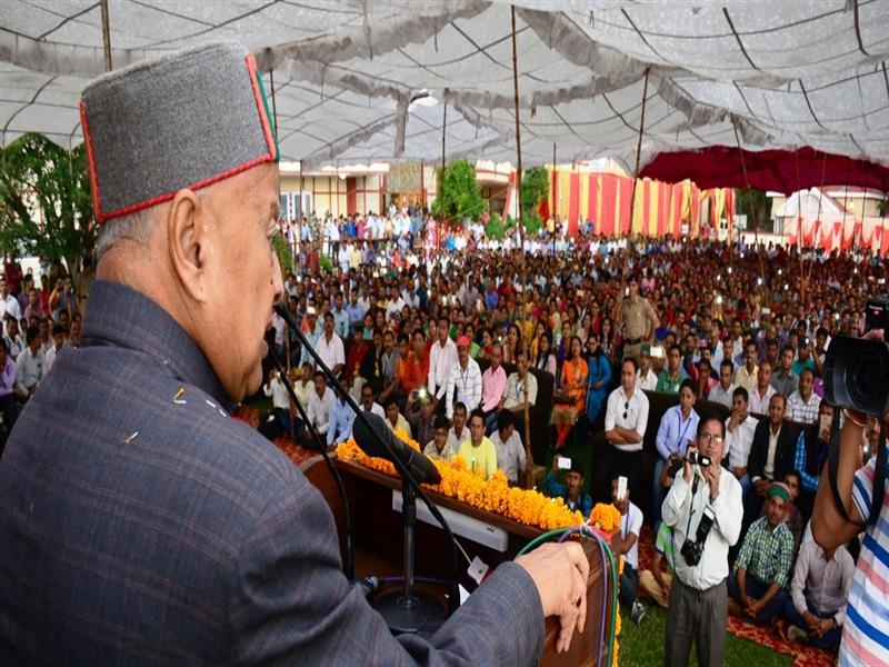 CM Inaugurates  Mesmerising Mandi an event, to promote culture
